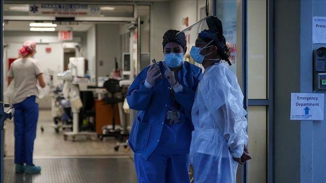 ABD'de Covid-19 vaka ve ölü sayısında yeniden artış endişelendiriyor