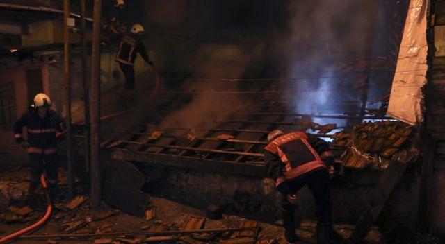 Ankara'da 3 gecekondu kül oldu