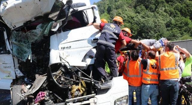 Bolu'da korkunç kaza! Tır kamyona çarptı