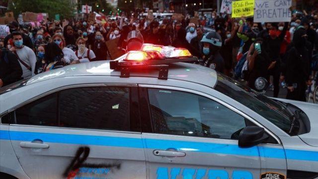Floyd için yapılan protesto gösterilerinin Covid-19 vakalarını artırmasından endişe ediliyor