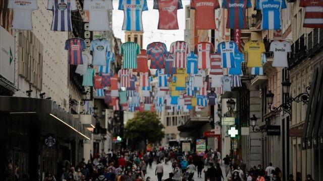 İspanya'da Covid-19'dan ölenlerin sayısı 28 bin 343'e çıktı