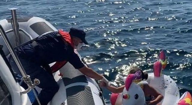 İzmir'de denizde sürüklenen 2 çocuk kurtarıldı
