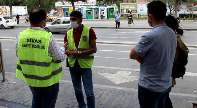 Kaldırımda bulduğu 200 lirayı polise teslim etti