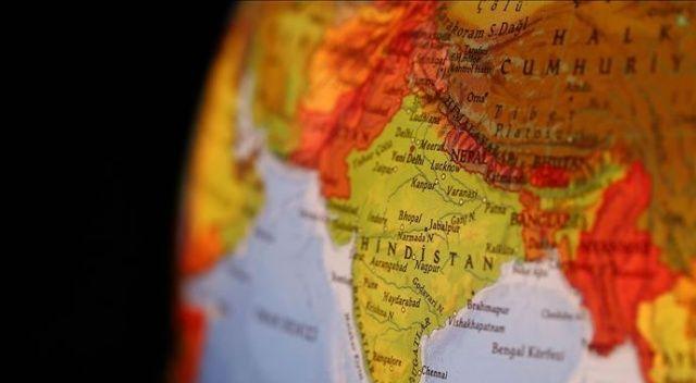 Nepal'de yolcu taşıyan kamyonet kaza yaptı: 12 ölü, 21 yaralı