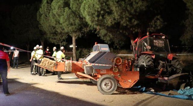 Otomobil park halindeki traktöre çarptı: 2 ölü