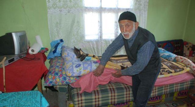Yardım bahanesiyle eve girdiler, yaşlı adamın 17 bin lirasını çaldılar