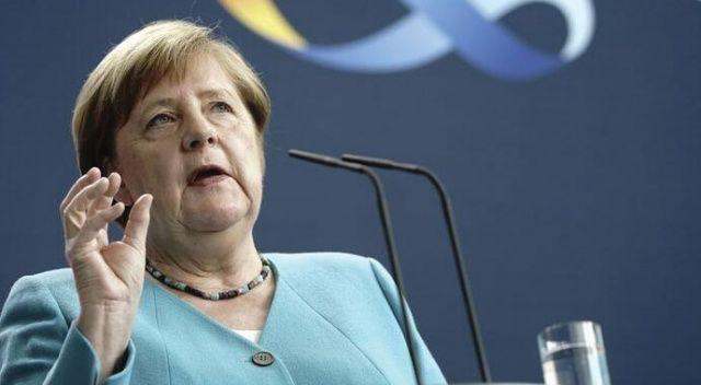 Almanya Başbakanı Angela Merkel'den Avrupa için tarihi itiraf