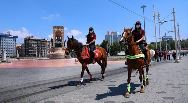 Atlı polislerden Taksim Meydanı'nda denetim