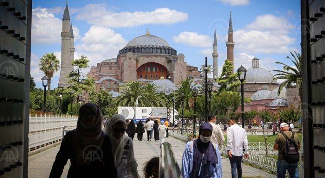 Ayasofya Camisi'ne yoğun ilgi devam ediyor