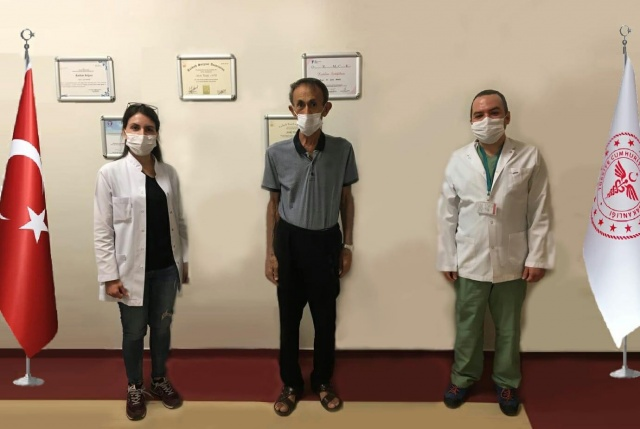 Aynı anda kolon ve akciğer rezeksiyonu ameliyatı olan 62 yaşındaki hasta sağlığına kavuştu
