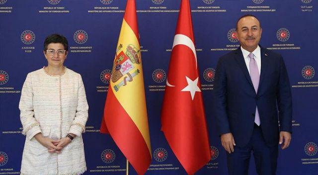 Bakan Çavuşoğlu'ndan Yunanistan'a çok sert tepki