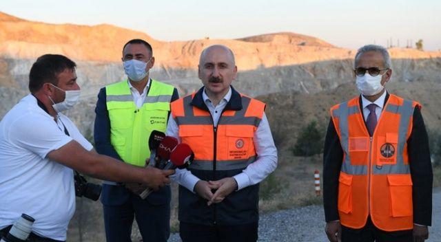 """Bakan Karaismailoğlu: """"(Ankara-Sivas YHT Hattı) Biz tünelin ucundaki ışığı gördük"""""""