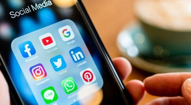 Batı'da sosyal medyanın durumu bu: Uygunsuz içerik bir saatte kalkıyor