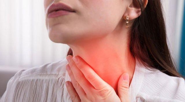 Boğaz ağrısıyla doktora giden kadının bademciğinden kurtçuk çıkarıldı