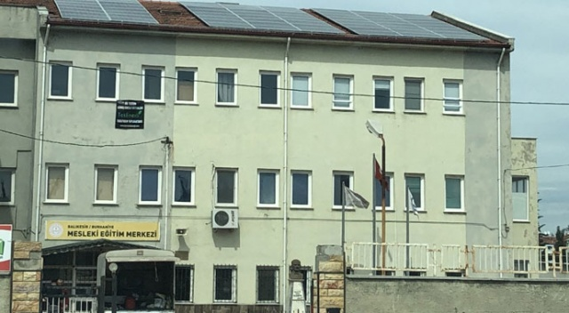 Bu okul elektrik üretip satıyor