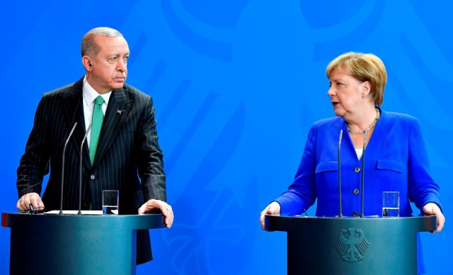 Cumhurbaşkanı Erdoğan, Merkel ile telefon görüştü