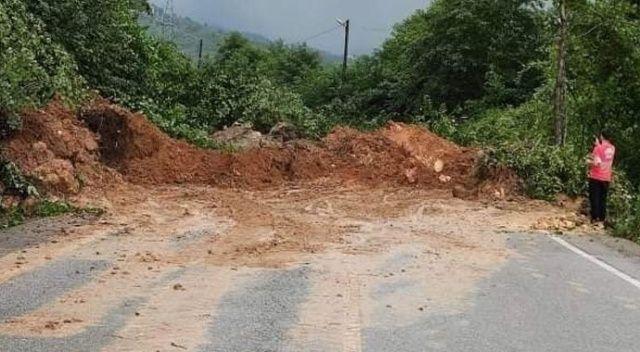 Giresun'da sağanak yağış heyelanlara neden oldu