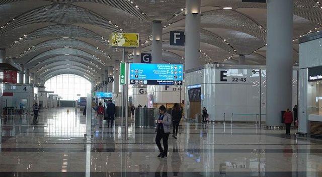 İstanbul Havalimanı'nda bin 500 yolcuya koronavirüs testi yapıldı