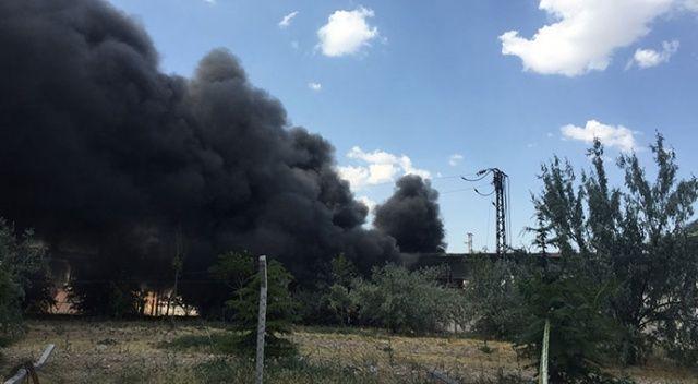Konya'da plastik atık toplama deposunda yangın çıktı