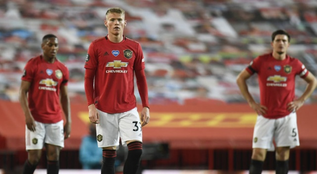 Manchester United, Southampton ile berabere kaldı