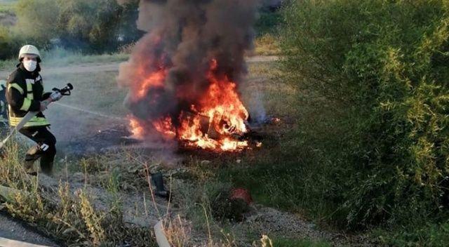 Manisa'da feci kaza! Traktör ikiye bölündü, otomobil alev alev yandı