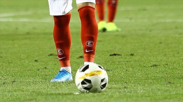 Sevilla takımında bir futbolcuda Covid-19 çıktı