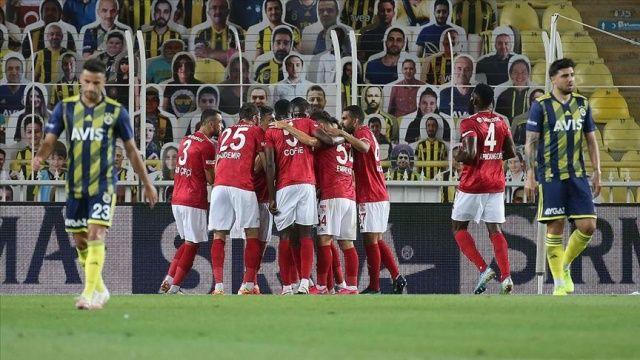 Sivasspor, deplasmanda Fenerbahçe'yi 2-1 mağlup etti
