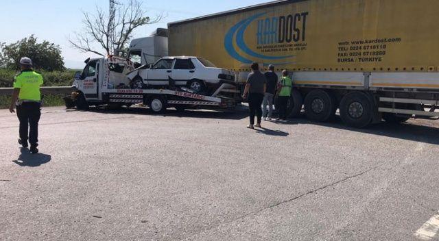 Tır ve çekici çarpıştı, Bursa İzmir karayolu trafiğe kapandı