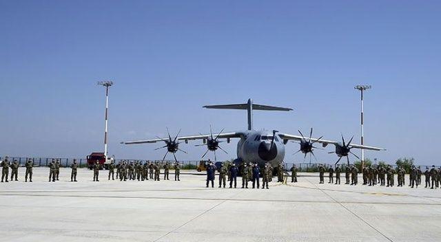 Türk askeri Azerbaycan'da törenle karşılandı
