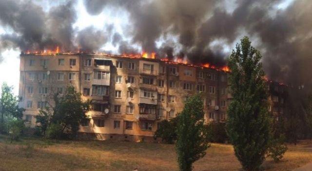 Ukrayna'da eşiyle tartışan kişi binada yangın çıkardı