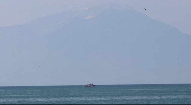 Van'da tekne faciası! 10 kişinin cansız bedenine ulaşıldı