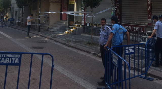 Zeytinburnu'nda çökme riski taşıyan bina tahliye edildi