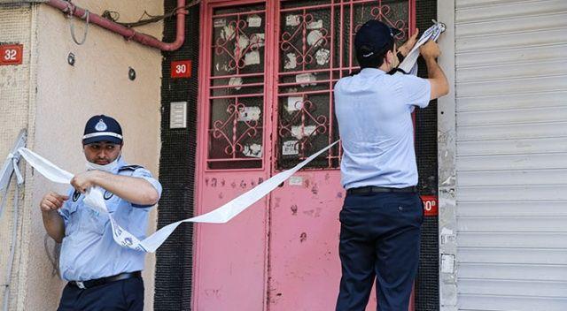 Zeytinburnu'nda duvarlarında çatlaklar oluşan bina mühürlendi