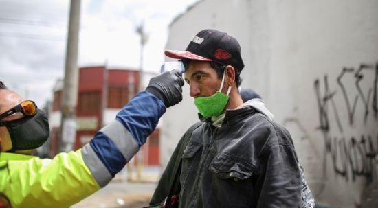Kolombiya'da son 24 saatte Covid-19 nedeniyle 136 kişi öldü