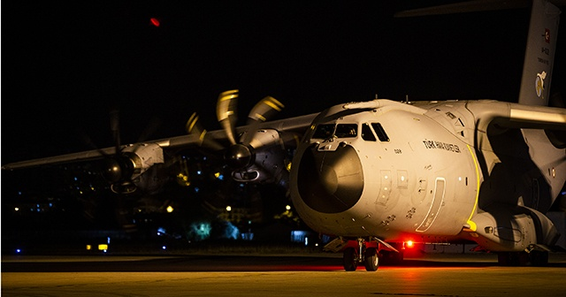 Ankara'dan TSK'ya ait yardım uçağı Beyrut'a ulaştı