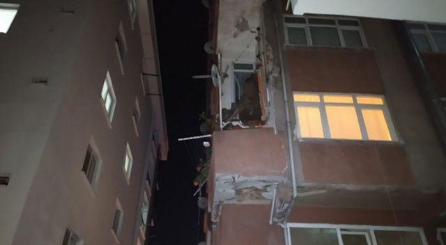 Bahçelievler'de yıkım kararı olan binanın balkonu çöktü: 1 yaralı