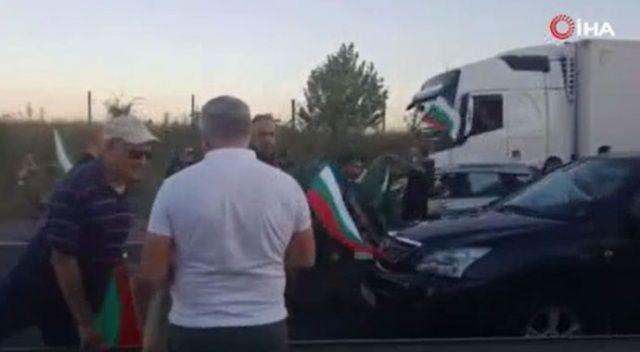 Bulgaristan'da protestocular Türkiye sınırına yakın yolu trafiğe kapattı
