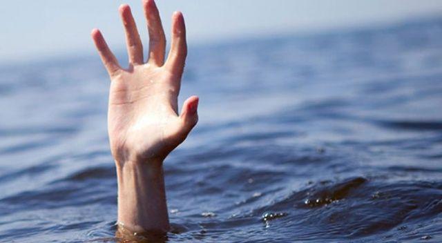 Denize giren baba boğuldu, oğlu kurtarıldı