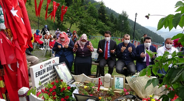 Eren Bülbül mezarı başında anıldı