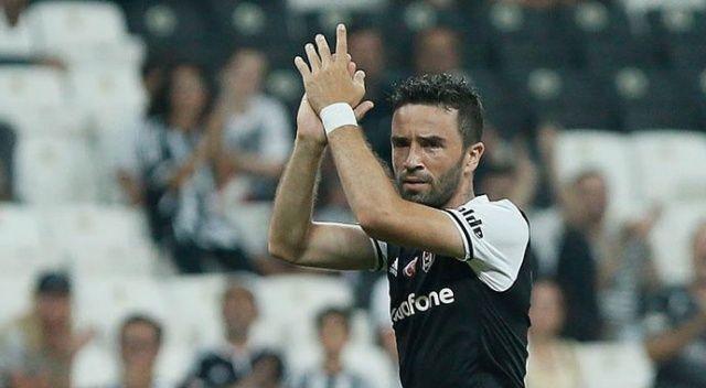Gökhan Gönül Beşiktaş'tan ayrıldığını resmen açıkladı