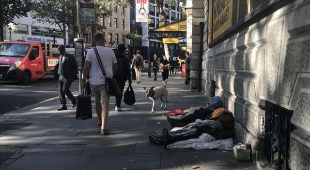 Londra'da binlerce kişi kirasını ödeyemediği için evsiz kalabilir