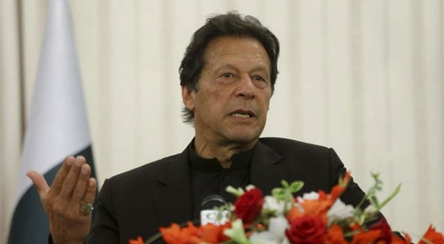 Pakistan Başbakanı Cammu ve Keşmir'i sınırları içinde gösteren harita açıkladı