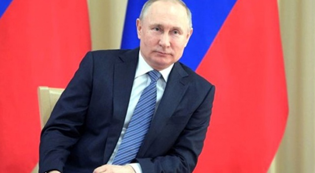Putin, Macron ile Beyrut'taki patlamayı görüştü