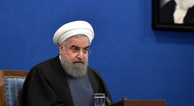 Ruhani: Aşı bulunana kadar tedbirleri sürdüreceğiz ve kurallara uymayanları cezalandıracağız