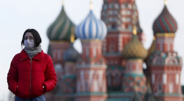 Rusya'da Covid-19 vaka sayısı 887 bini geçti
