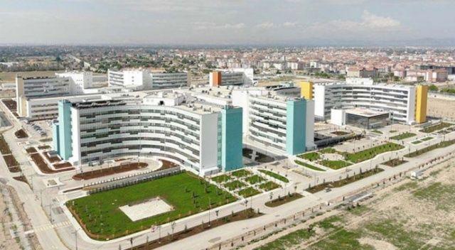 Sağlık Bakanı Koca: Konya Şehir Hastanesi tüm branşlarda hasta kabulüne ay sonunda başlayacak