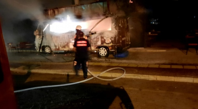 Amasya'da seyyar köfte minibüsü yandı: 1 yaralı