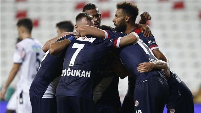 Antalyaspor galibiyetle başladı