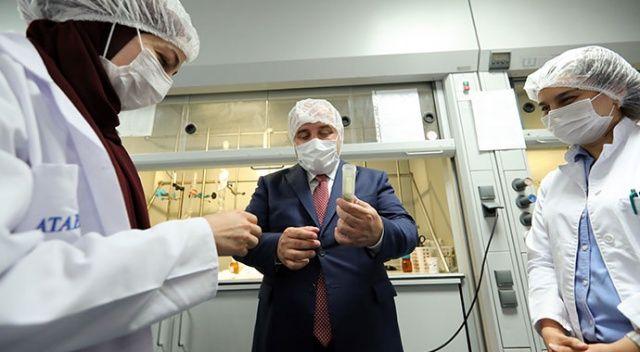 Bakan Varank'tan Covid-19 tedavisinde kullanılan ilacın üretildiği fabrikaya ziyaret