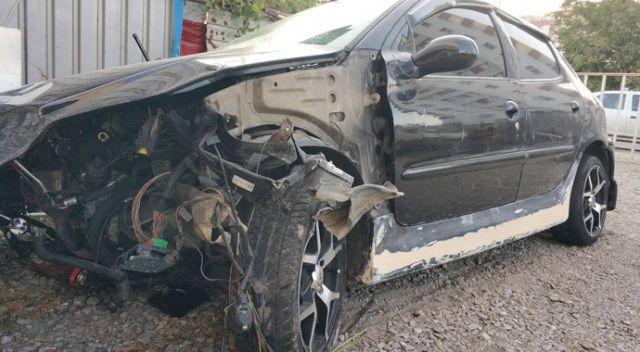 Çalıntı araçla kaza yaptılar: 3'ü ağır 4 yaralı